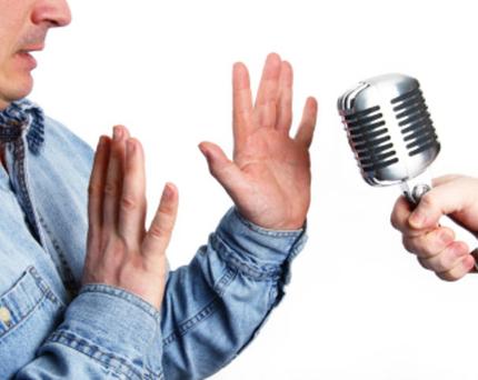 الخوف من الحديث أمام الجمهور